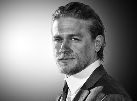 Charlie Hunnam kao James Bond?