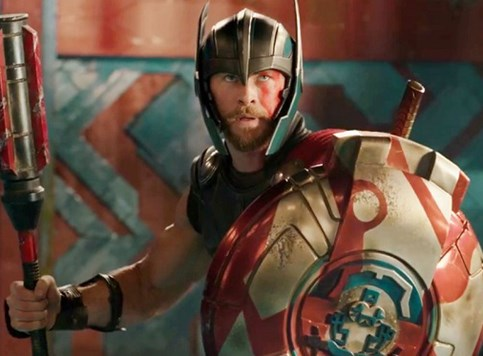 Thor: Ragnarok comic-con trailer!