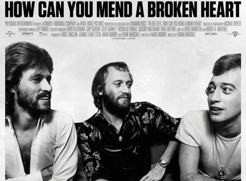 """Kenneth Branagh režira film o """"Bee Gees"""""""